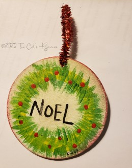 Noel Ornament with wreath