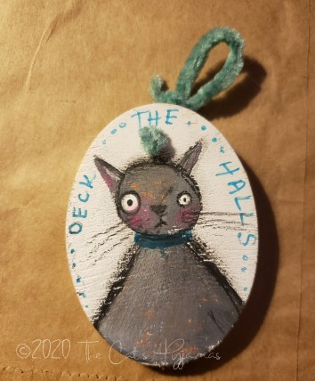 Deck the Halls Kitty ornament